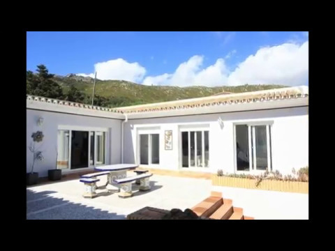 Tarifa – 4 bedrooms Villa For Sale with garden, parking and pool - sunnyhomes4u.com