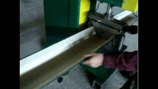 видео Изготовление кровельных коньков на крышу, купить металлический фигурный конек для кровли