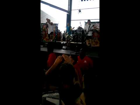 Neck Deep - A Part Of Me [Live]