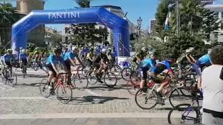 """La partenza da Piazza Rossetti del 2° Trofeo Avis Vasto """"Memorial Angelo Menna"""""""