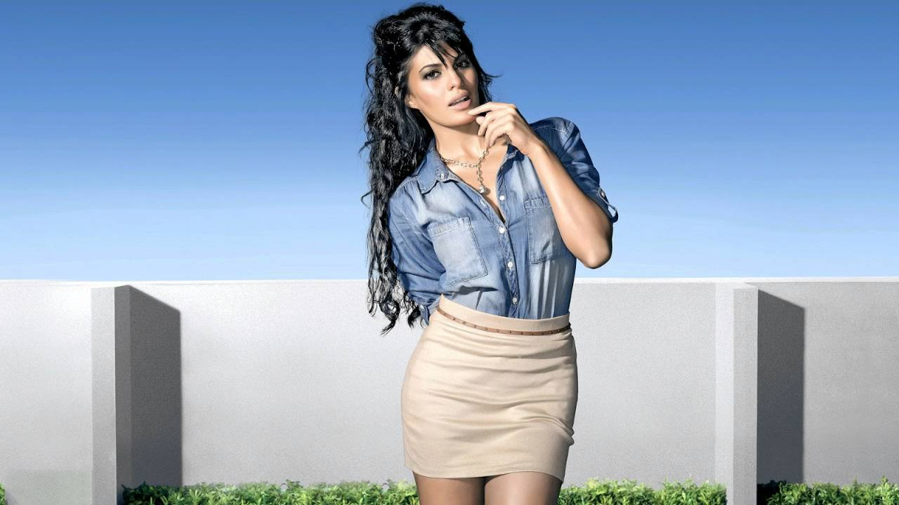 Jacqueline Fernandez Beautiful Hd Wallpapers 2016