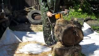 Бензопила 'Дружба-4Э'(Весьма помогает с такими трудными для колки дровами. Иначе без такой вот подготовки этот узловатый тополь..., 2015-06-12T10:52:12.000Z)