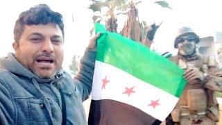 المعارضة السورية ترفع علم الثورة في سراقب بعد استعادتها من قوات النظام