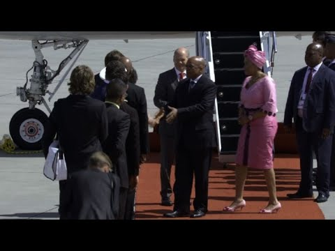 South African President Jacob Zuma arrives for G20
