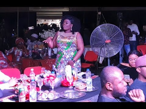 Download 9ice Performs as Yomi Fansho-Lanso, Bimbo Thomas, Others show off their dance skills at BON Awards