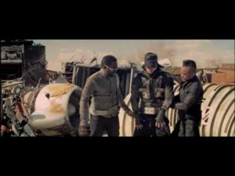 Imma Be Droping It Like It's Hot – Snoop Dogg Ft. Pharrell VS The Black Eyed Peas