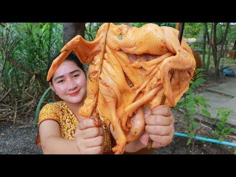 Tasty Grilling Duck​ Young Tamarind Pounding - Cooking With Sros