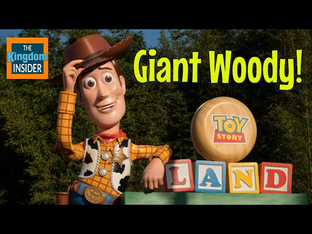 Giant Woody in Toy Story Land | Disney News