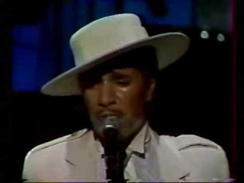 Don't miss: Kid Creole / Coconuts, Cannes 1985 - Entertainer