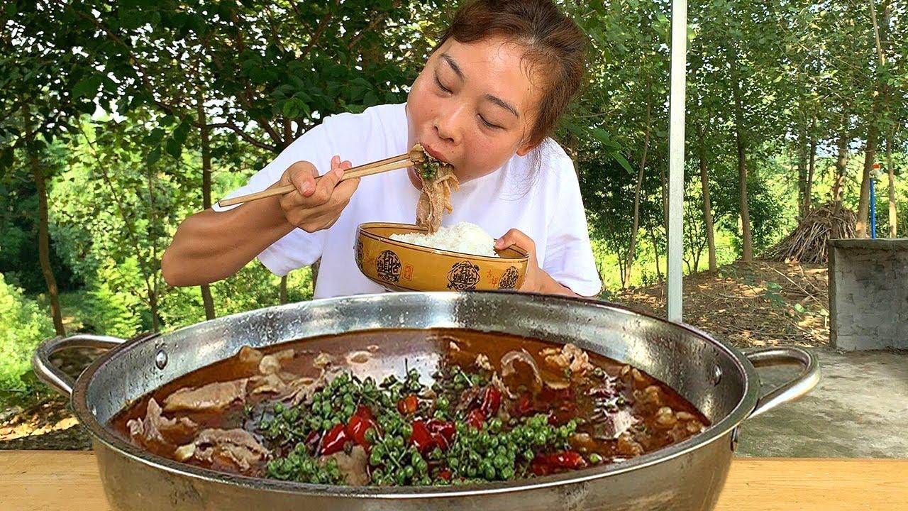 秋妹做椒麻牛舌,2條牛舌6斤,放入鮮花椒,椒麻過癮,看得流口水【顏美食】