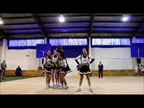 Quinteto de Cheerleaders Windsor School 2013