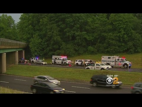 Camper Swerves Onto Traffic On Garden State Parkway Doovi