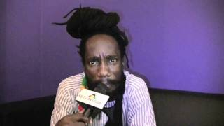 Sizzla : Dem A Fight Buju Banton Long Time (Freestyle)