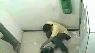 Pencuri dimesin ATM.flv