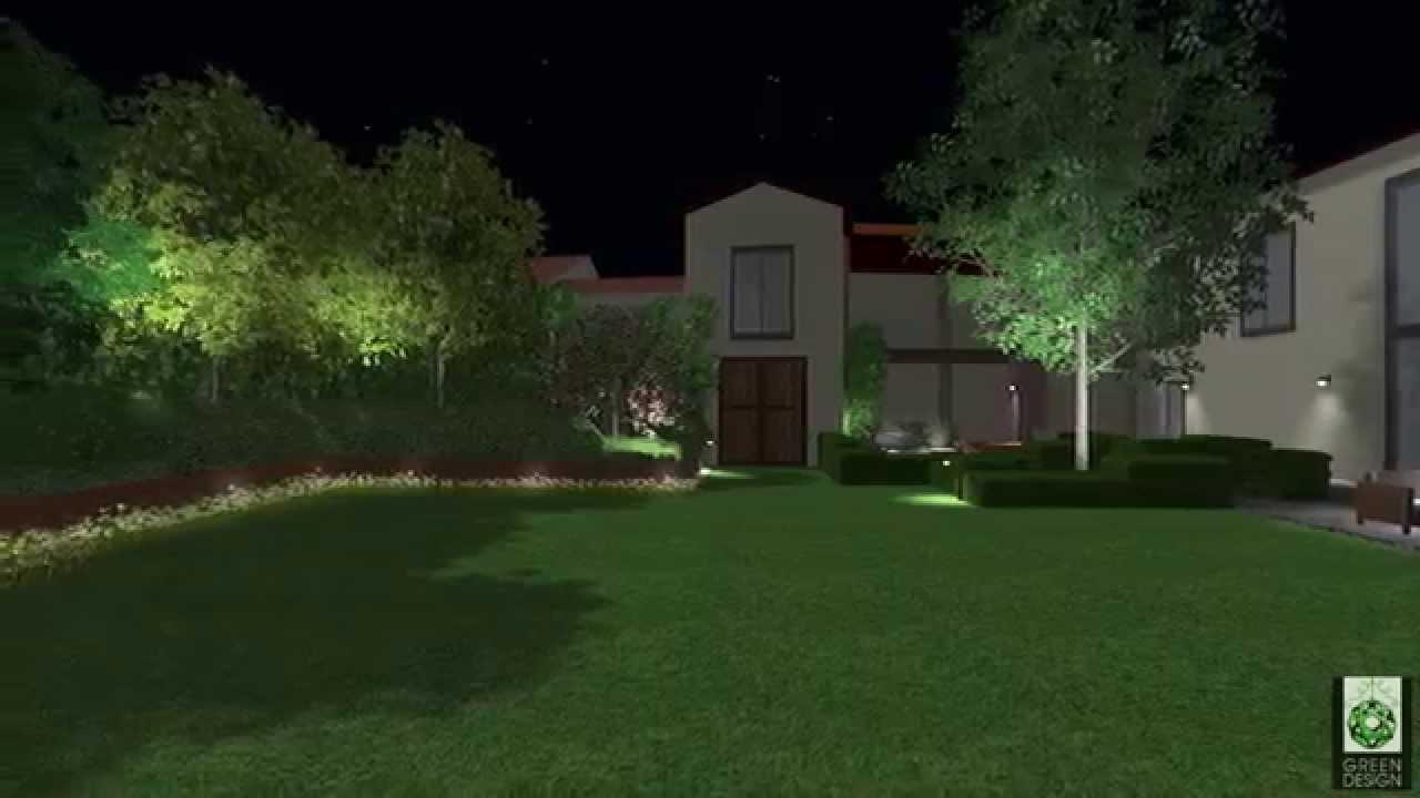 giardino privato con solarium e vasca idromassaggio in