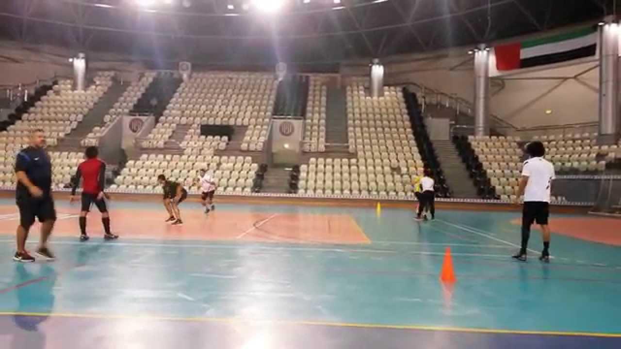 Très bon exercice de defense 3/handball - YouTube