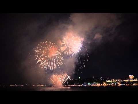 Loto-Quebec firework 8-1-2015 from Quebec city in the midle of Saint-Laurent river