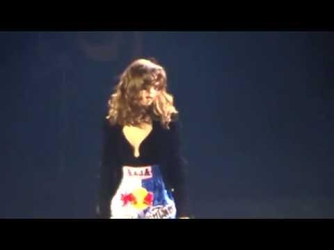 Selena Gomez - Slow Down (Revival Tour Manila)
