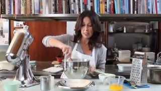 Lokshen Kugel: Monday Morning Cooking Club's Ricotta Cheese Noodle Pudding