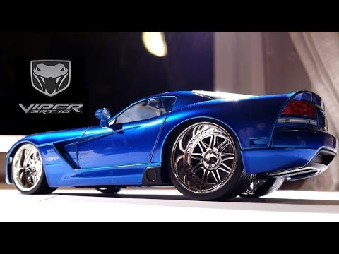 Reviewing the 1/24 Dodge Viper SRT 10 by JADA