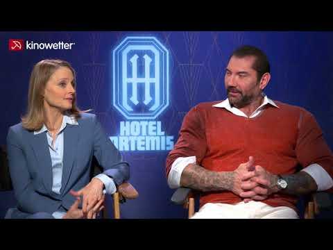 Jodie Foster & Dave Bautista  HOTEL ARTEMIS