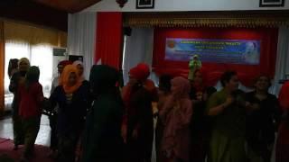 Download Video Serunya Ibu - Ibu Cantik saat Peringatan Hari Kartini di Kota Tarakan MP3 3GP MP4