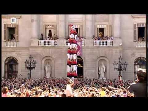 Castellers a la plaça Sant Jaume de Barcelona. Mercè 2013