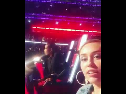 Jennifer Hudson SANG IN NBC The Voice Blind Auditions With Miley Cyrus