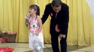 Bakat Luar Biasa dari Anak kecil Batak membawakan lagu Amang Na Burju
