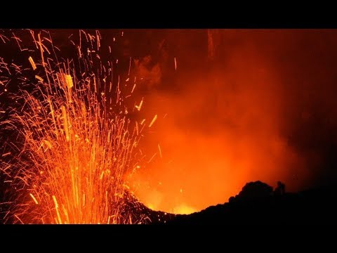 Timelapse video: Into the night  at Yasur Volcano   Vanuatu