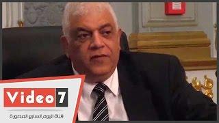 نائب برلمانى يقترح على وزارة التعليم استغلال أسوار المدارس فى الإعلانات