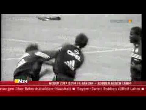 FC Bayern München   Robben schlägt Lahm ►►Weltrekordversuch siehe rechts►►►
