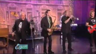 "Chicago Performs ""Does Anybody Really Know What Time It Is?"" on Ellen"