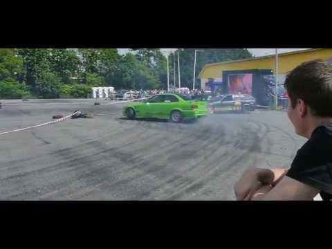 Autocentral drift show/taxi