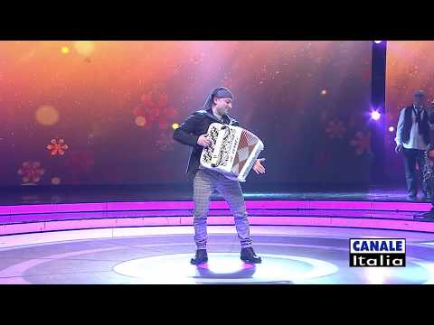 "Mimmo Mirabelli ""Uno a te uno a me"" | Cantando Ballando (HD)"