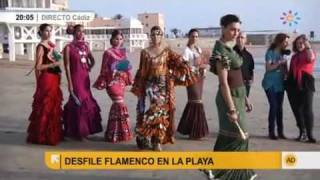 Desfile flamenco en la playa
