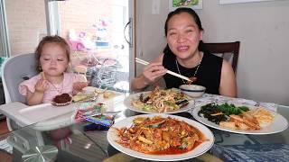 Vlog 1010 ll Phá Lấu Kim Chi Cay- Trải Lòng Về Mức Lương Của Chồng?