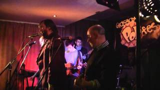 BMX BANDITS - Let mother nature be your guide (live at Glasgow Popfest) (11-12-2011)