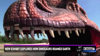 Life size dinosaurs arrive to Brazos Valley