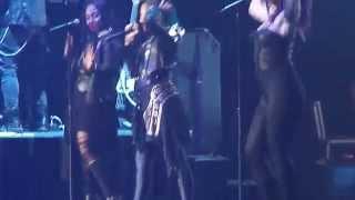 Demi Lovato,  Remember December & Heart Attack (Everett)