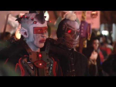 New York'ta Cadılar Bayramı yürüyüşü iptal edilmedi
