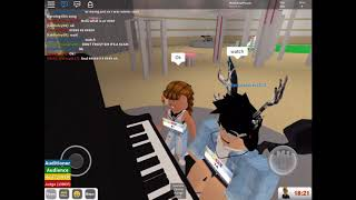 ROBLOX got talent! How to play heathens and playing the game!