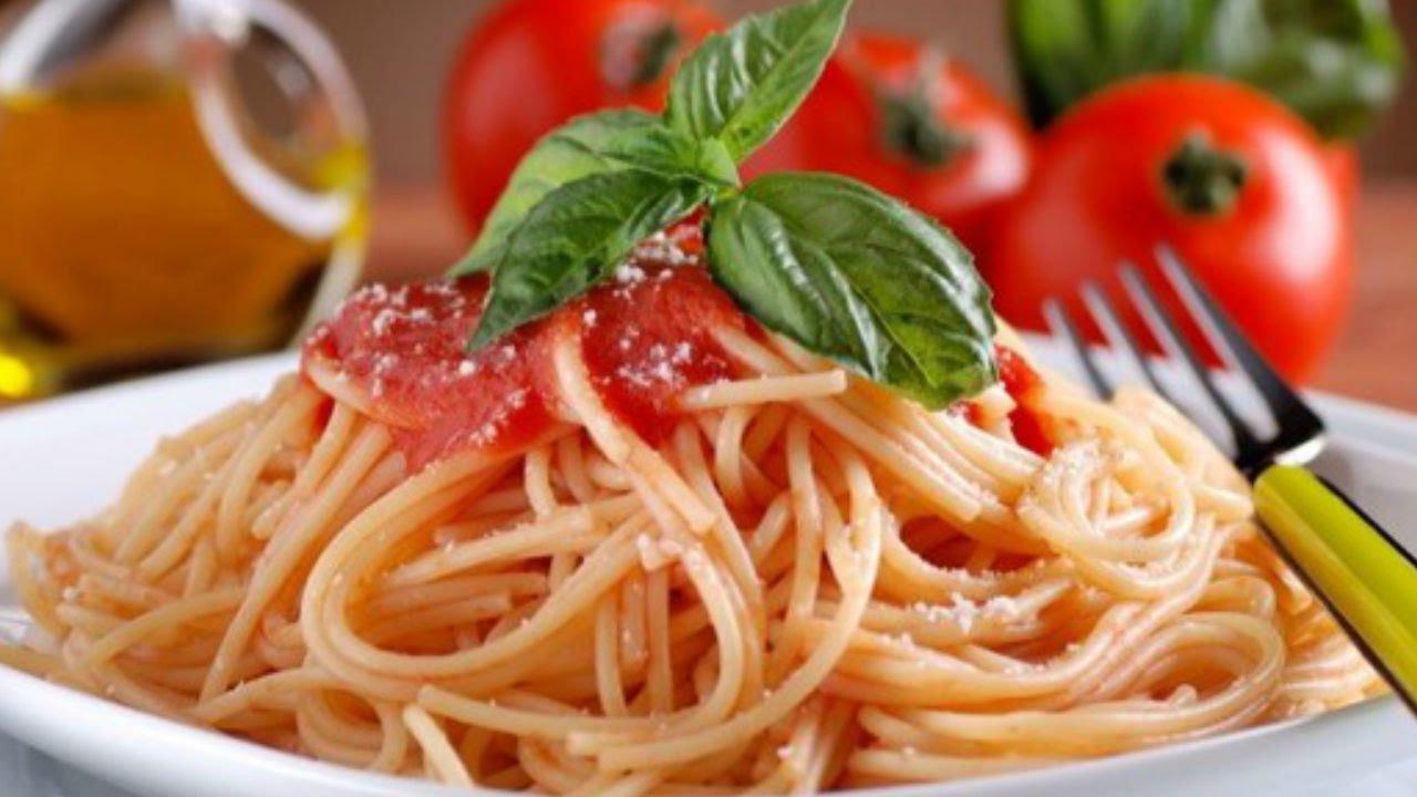 C mo hacer pasta al pomodoro youtube - Como hacer espaguetis al pesto ...