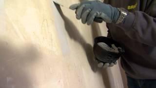 Een muur herstellen en verf- of behangklaar maken - stap voor stap uitgelegd - Doe-het-zelf
