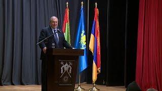ՀՀ նախագահ Արմեն Սարգսյանն Աբու Դաբիում հանդիպել է հայ համայնքի ներկայացուցիչների հետ