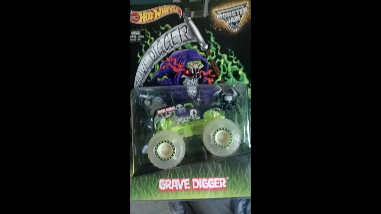 Walmart Monster Jam Grave Digger Glow In The Dark Send Off