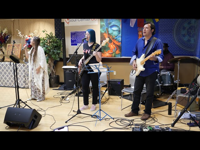 'I Feel the Spirit' by Rickie Byars Cover