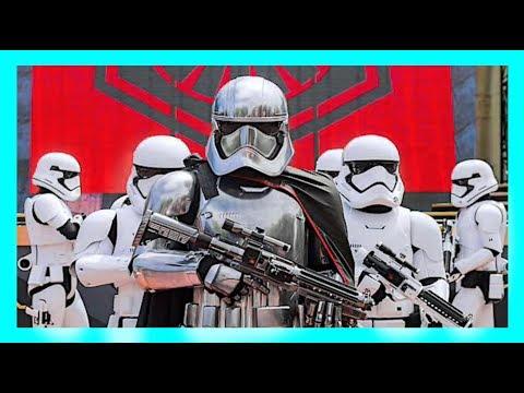 CAPTAIN PHASMA IS SOME TRASH At Star Wars Launch Bay Hollywood Studios   Disney World Vlog