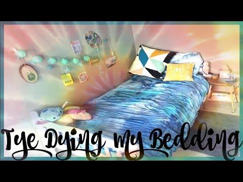 tye-dyeing-my-comforter