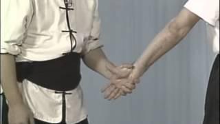 #36 выверт руки Tai Chi Ch'uan (Martial Art) armlock techniques уроки тай чи Болевые приемы
